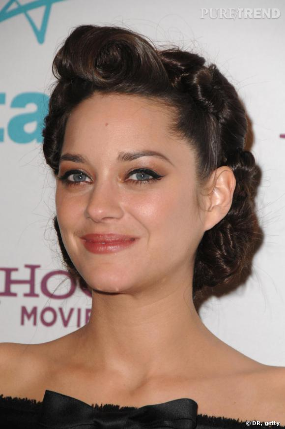 Un Chignon Resolument Retro People 1945 Marion Cotillard People