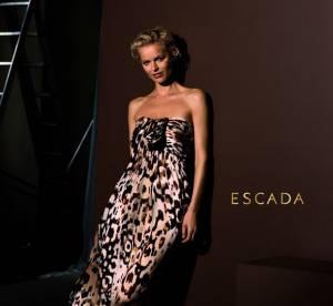 En robe léopard, Eva Herzigova nouvelle égérie Escada