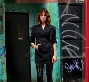 Alexa Chung pose pour DKNY jeans
