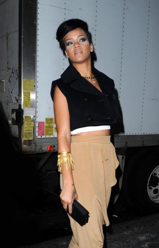 rihanna look rock sexy 2012