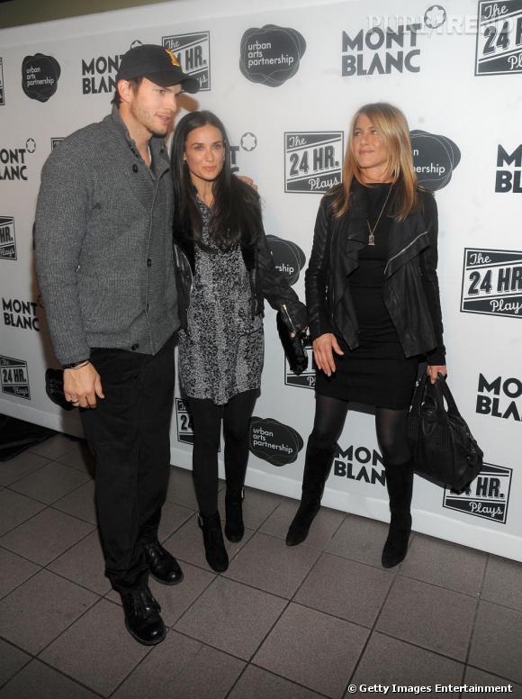 Jennifer Aniston et Demi Moore, à côté d'Ashton Kutcher, lors de la soirée Montblanc à New-York