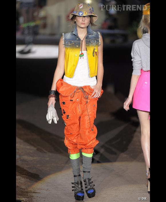 Défilé  Dsquared , Printemps-Eté 2010, Milan     Toutes les couleurs ou presque sont représentées sur cette tenue drôle et décalée. La vie est trop courte pour s'habiller triste !