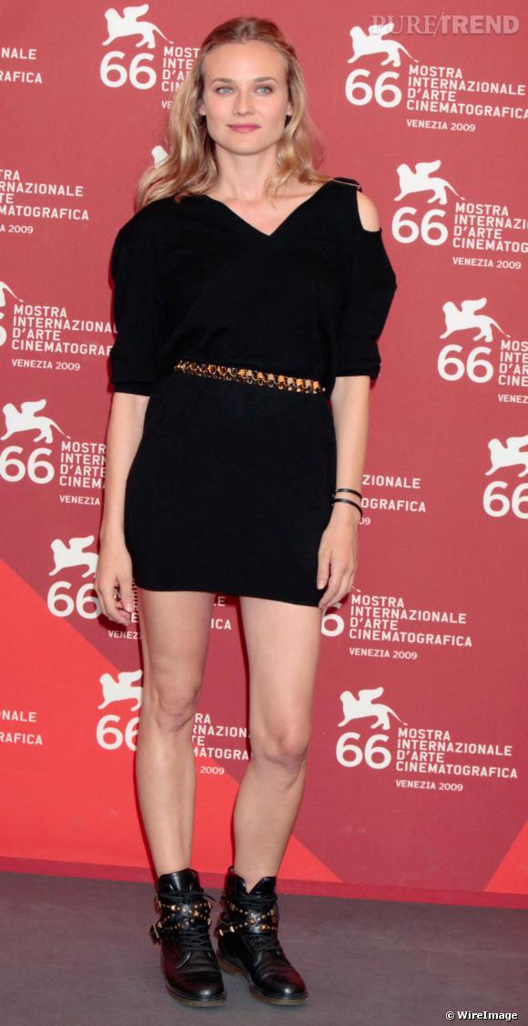Avec ses boots cloutées et sa mini robe, Diane Kruger avait un look rock et féminin à tomber !