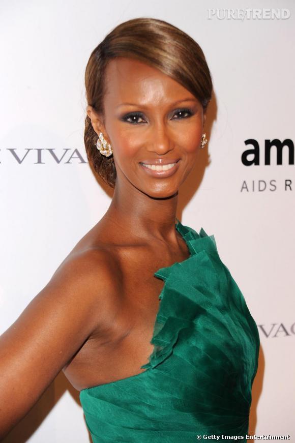 Toujours impeccable sur red carpet, Iman est une vraie reine de beauté.