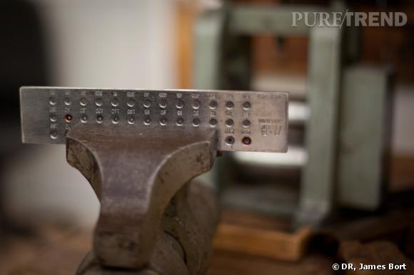 Une machine à laminer, qui sert à tirer de longs fils de métaux. Il est utilisé à différentes étapes.