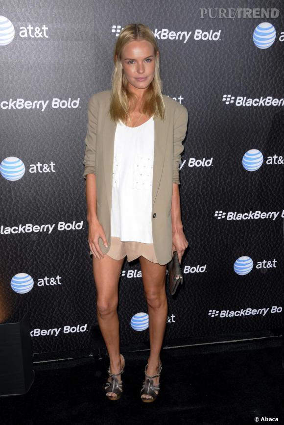 En total look Chloé, Kate Bosworth semble avoir trouvé son style. Elegante, bohème et stylée, son look figure parmi les plus beaux de la saison.