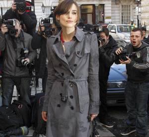 Keira Knightley revisite le trench, en dentelle
