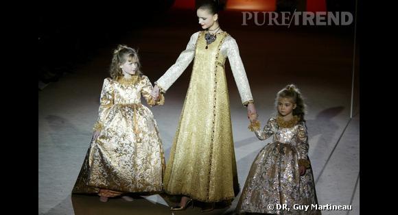 Défilé Haute Couture hommage, 2002 : collections les poupées russes