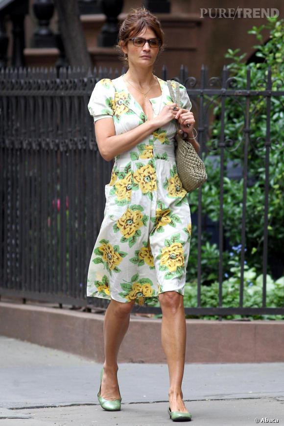 Helena Christensen en robe fleurie