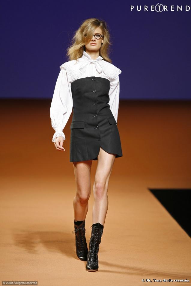 Chemise Dentelle Noire Defile Fashion Week