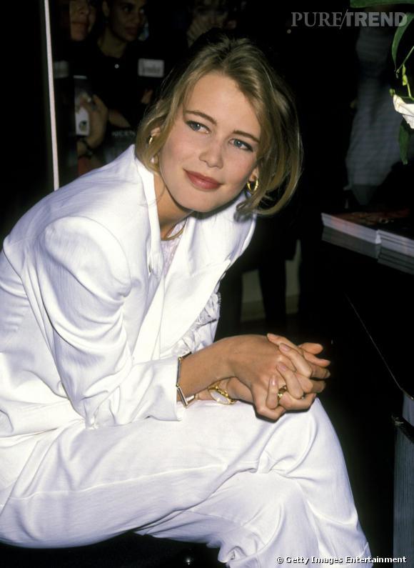 Dès le début de sa carrière, Claudia Schiffer a été sollicitée par les plus grands créateurs comme Karl Lagerfeld.
