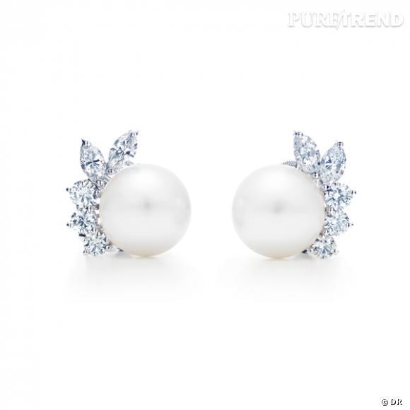 Boucles d'oreilles Tiffany & Co       Boucles d'oreilles perles blanches et diamants.    Prix sur demande