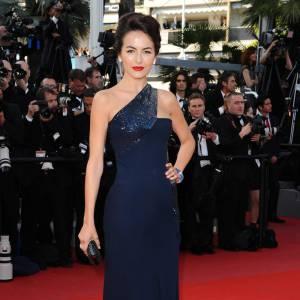 Camilla Belle a également succombé à la fièvre Gucci. La belle a porté son dévolu sur une robe longue one shoulder et ajustée.