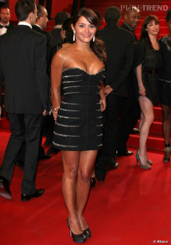 Emma de Caunes, dorée à souhait lors de l'avant-première du film Certified Copy, à Cannes