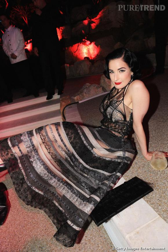 Dita Von Teese ne faisait pas son show mais avait tout de même opté pour une robe tout en transparence.