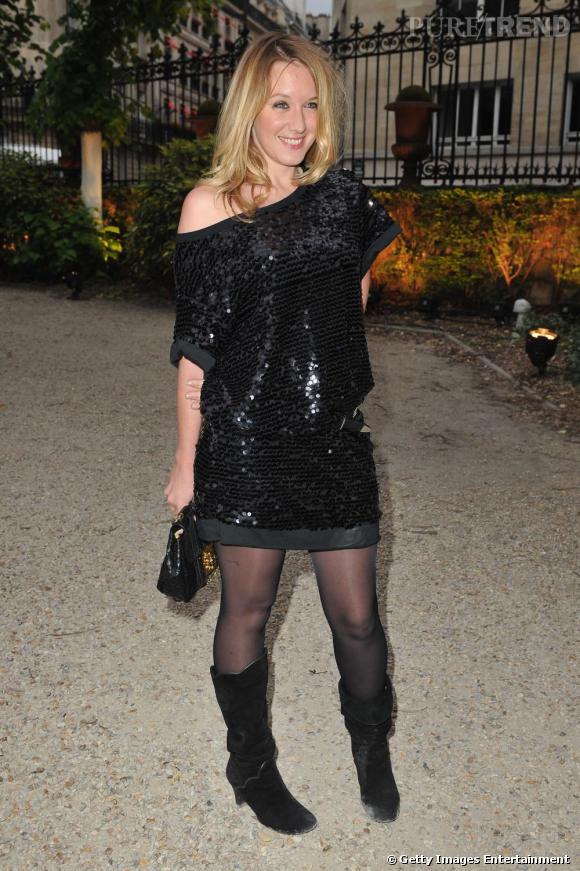 Ludivine Sagnier mise sur l'indémodable petite robe noire pour briller