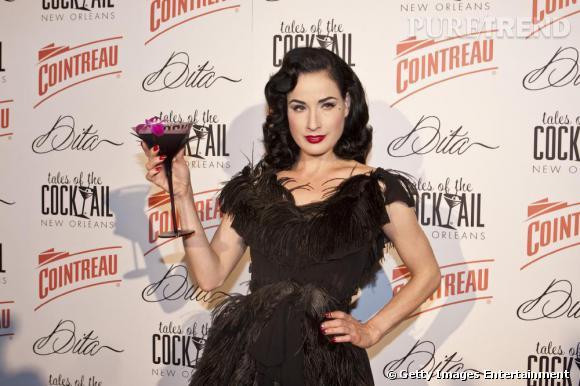 Dita Von Teese à la soirée Tales of the Cocktail organisée en son honneur à la Nouvelle Orléans en Louisiane.