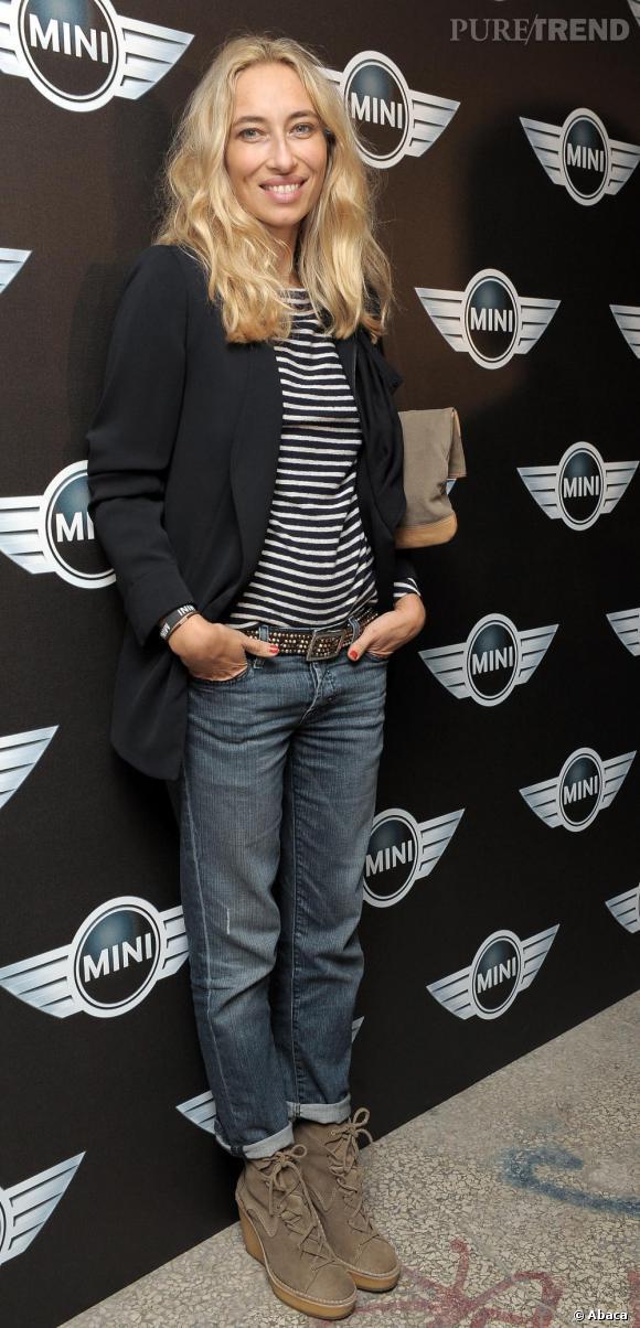 Celle qui présente l'émission culte La Mode La Mode La Mode a visiblement tout compris de l'art de rester mode et décontractée.