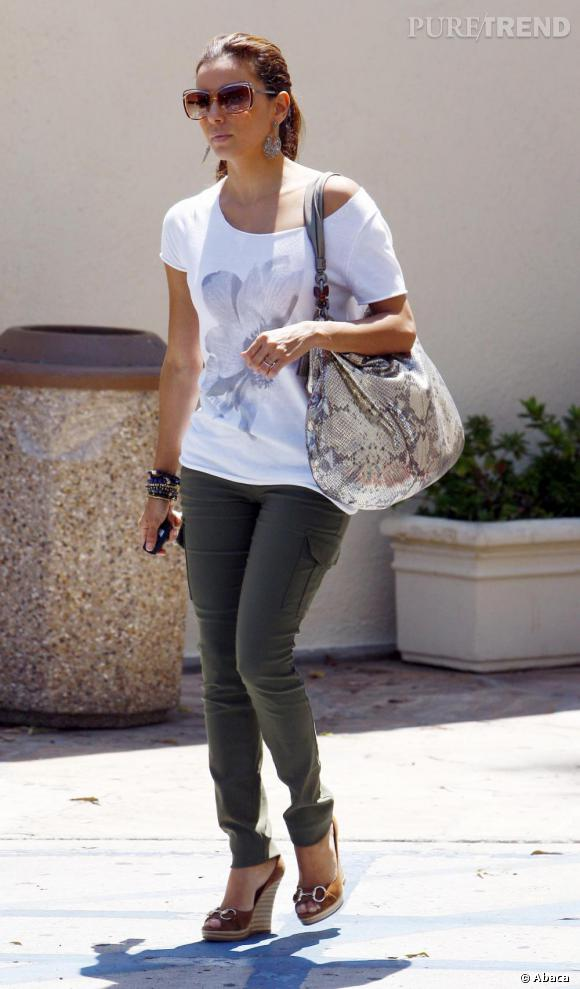 Eva Longoria est une adepte de longue date des sacs de la marque. Ici elle arbore un Hamptons python.