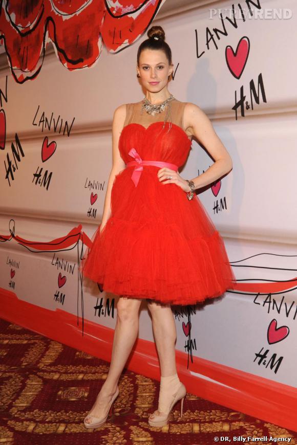 Elettra Wiedemann dans une robe Lanvin pour H&M