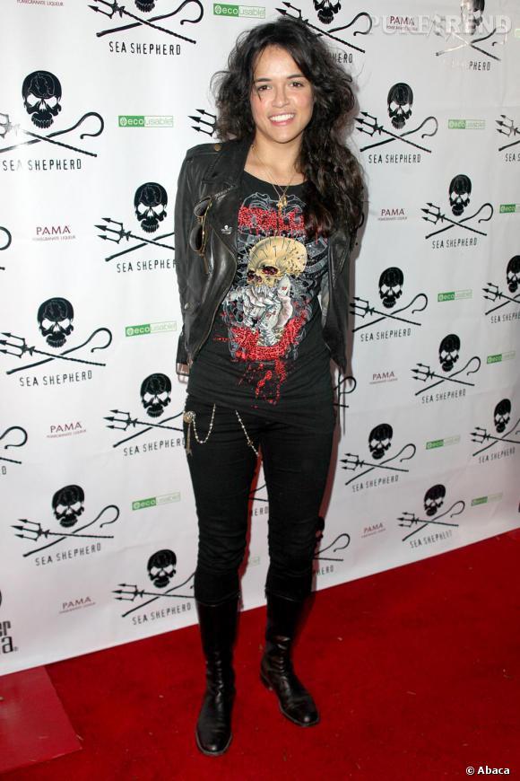 Sur red carpet, il est bien rare de voir Michelle Rodriguez faire des efforts. Les cheveux ébourrifés et une tenue un peu négligée, Michelle nous fait un peu de la peine.