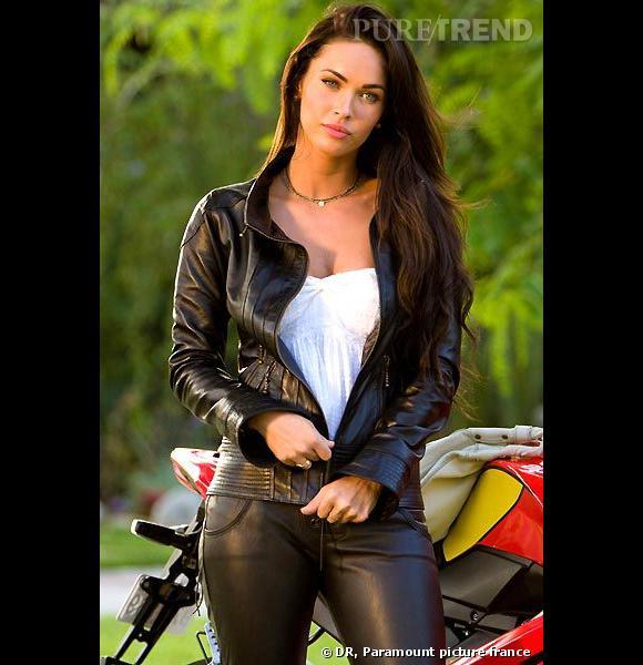 Megan Fox est la bombe atomique par excellence. Dans Transformers, elle est sans conteste l'atout charme et s'affiche en pantalon de cuir.