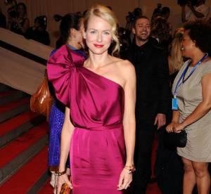 Naomi Watts vs. Rosario Dawson : qui porte le mieux la robe Stella McCartney ?