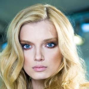 """Les secrets de beauté des stars : Nom : Lily Donaldson Profession : Top Model  Son secret : """"Un fin masque d'argile avec lequel je dors dans les périodes de stress."""""""