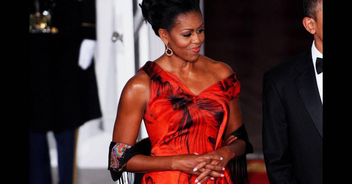 Chignon altier et allure de princesse, Michelle Obama est sublime - Puretrend