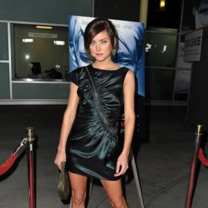 Jessica Stroup de 90210 opte pour un modèle rock signé Camilla Skovgaard.