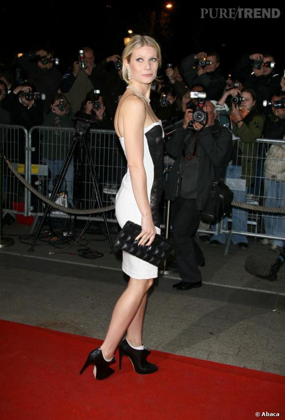 Gwyneth Paltrow préfère les low-boots de  Rupert Sanderson .