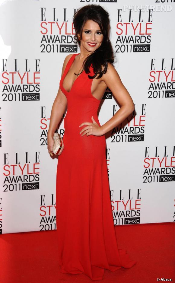 """Cheryl Cole, en Alexandre McQueen, s'est vue remettre le prix """"Best Music""""."""