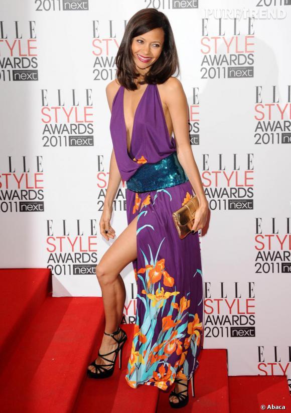 Thandie Newton fond pour la collection printemps 2011, très exotique, de Louis Vuitton qu'elle associe à une pochette dorée Sofia Coppola pour Louis Vuitton.