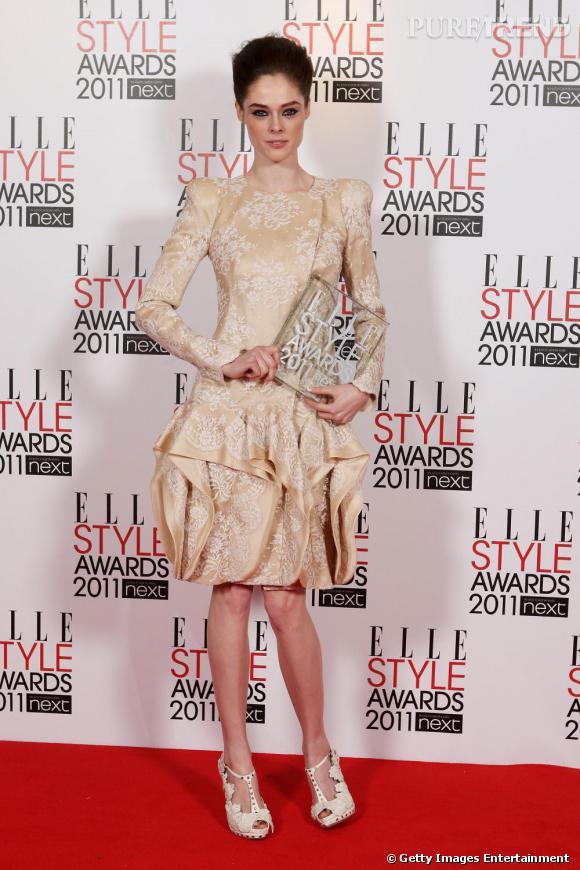 """Coco Rocha, sacrée """"Best Model"""", étourdissante en total look Alexandre McQueen croisière 2011 pour la robe, printemps 2011 pour les sandales."""