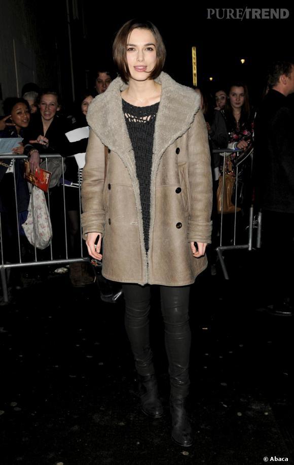 Keira Knightley à la sortie du Comedy Theatre, de Londres.