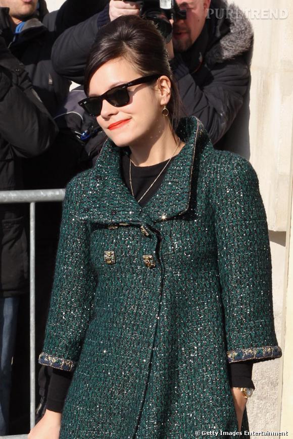 Lily Allen invitée au défilé Chanel à Paris.