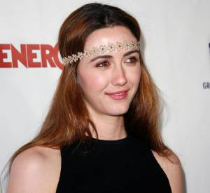Madeline Zima invitée à un gala de charité à Los Angeles.