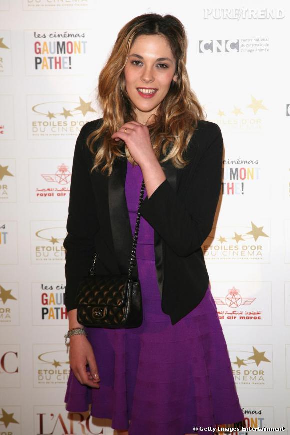 Alysson Paradis invitée à la cérémonie des Étoiles d'Or du Cinéma.