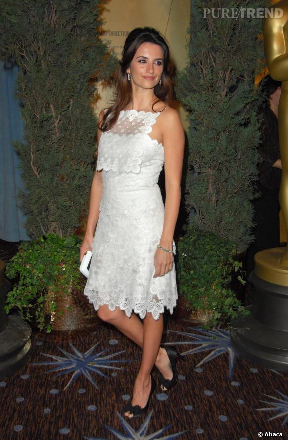 Séductrice en tout genre, la belle Penelope Cruz sait que le blanc peut être une des ses couleurs fétiches. Avec son teint halé, elle est tout simplement parfaite.