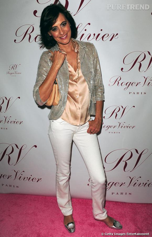 Un pantalon blanc comme Inès de la Fressange pour briller sous les projecteurs.
