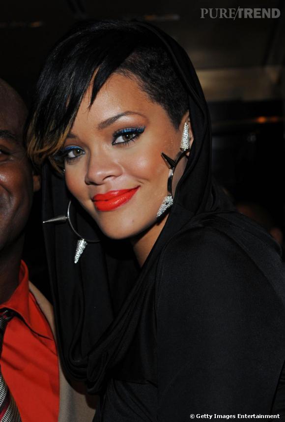 Le flop beauty look  : Rihanna, tombée dans un pot de peinture.