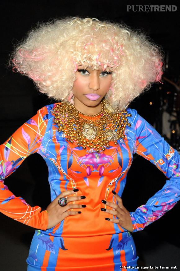 L Evolution Coiffure De Nicki Minaj Version Afro Decoloree Nicki