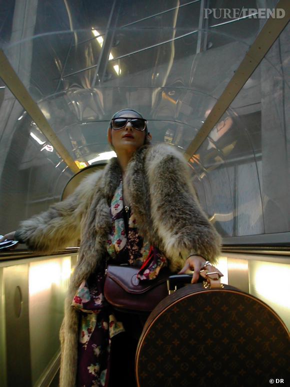 Catherine Baba arrive au Festival de Cannes.