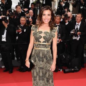 Élodie Bouchez porte une robe Yves Saint Laurent.