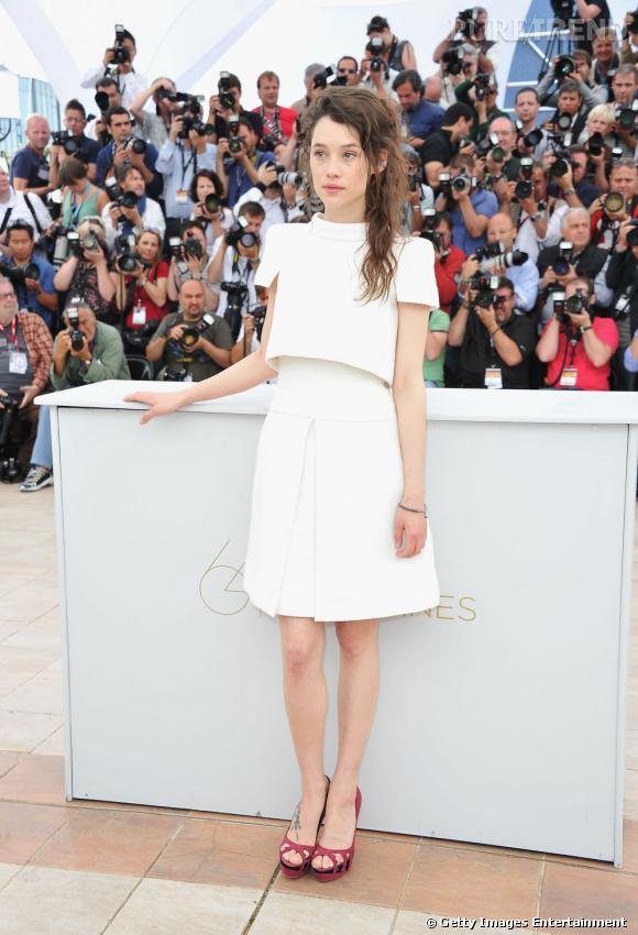 Astrid Berges-Frisbey a fait son choix : la plupart de ses apparitions cannoises se feront en Chanel.