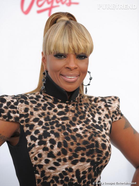 Les chanteurs de R&B sont-ils tous mal coiffés ?     La décoloration de Mary J Blige et sa pony tail frangée.