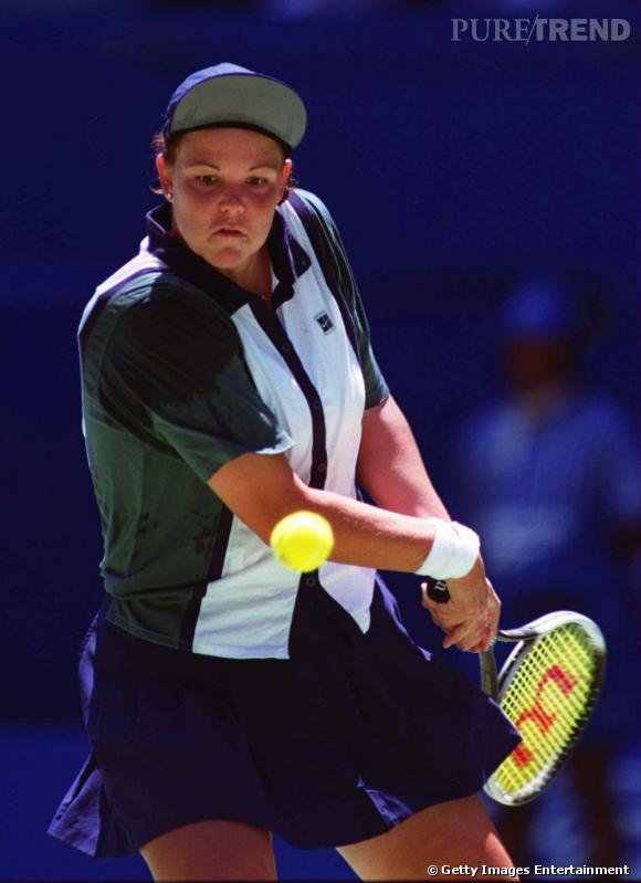En 1996, Lindsay Davenport remporte Roland Garros et la joue Prince de Bel Air niveau casquette.