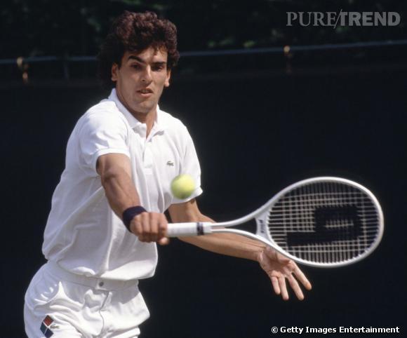 En 1992, Cédric Pioline frappe la balle avec un joli brushing.