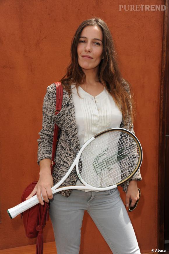 Zoé Félix prend la pose à Roland Garros.
