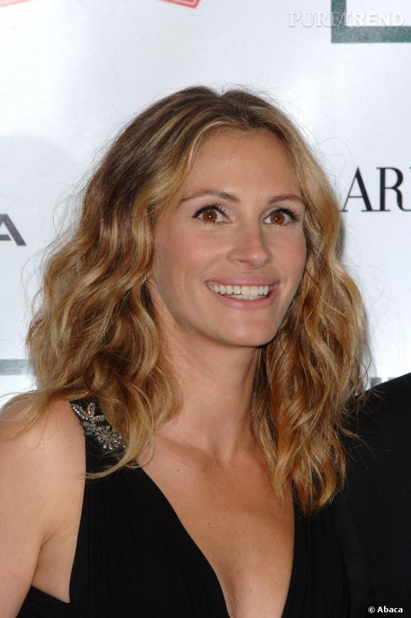 """Le meilleur """"cheveux"""" :   Wavy, légèrement ondulés et dorés par le soleil, les cheveux de Julia sont dignes d'une superstar."""